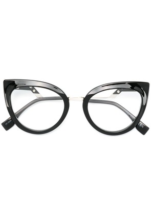 Fendi Eyewear cat-eye shaped glasses - Black