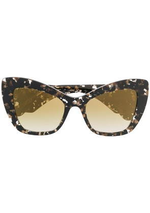 Dolce & Gabbana Eyewear oversized cat-eye sunglasses - Brown