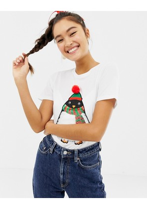New Look christmas tee with faux fur penguin in white - White