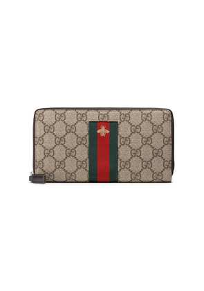 Gucci Web GG Supreme zip around wallet - Brown