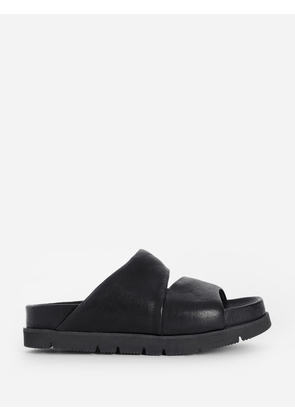 The Last Conspiracy  Sandals