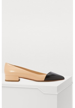 Two-tone rounded-toe flat ballerinas