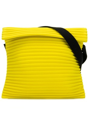 Homme Plissé Issey Miyake pleated shoulder bag - Yellow