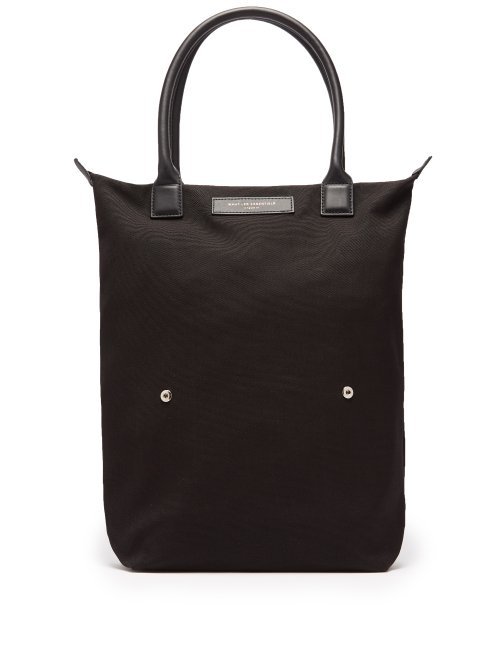 8213770cbe72 want-les-essentiels-ory-organic-cotton-foldable-tote-mens-black-matchesfashion-com-photo.jpg?1548864757